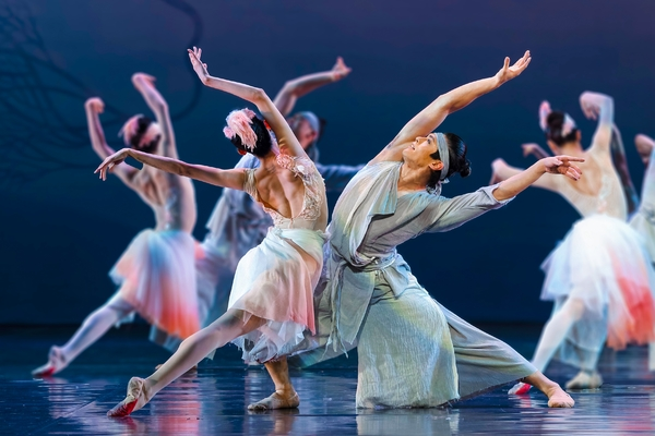 Photo Flash: First Look at Shanghai Dance Theatre's SOARING WINGS, Coming to Lincoln Center This Winter
