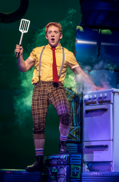 BWW Review: Tina Landau Spins Seaweed Into Gold With SPONGEBOB SQUAREPANTS