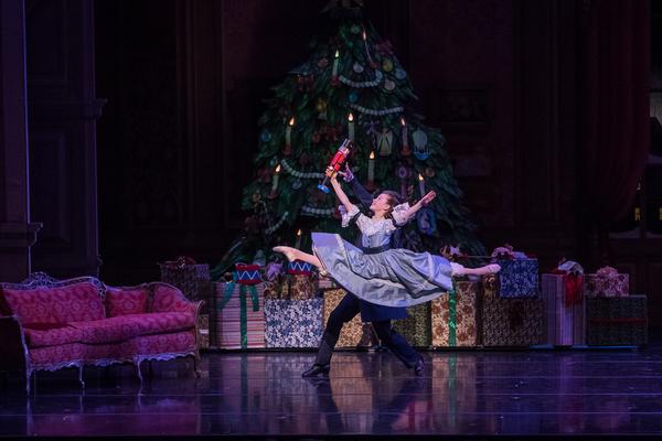 KC Ballet Dancer Charles Martin and KCB School Student Poppy Trettel. Photography: Brett Pruitt & East Market Studios.