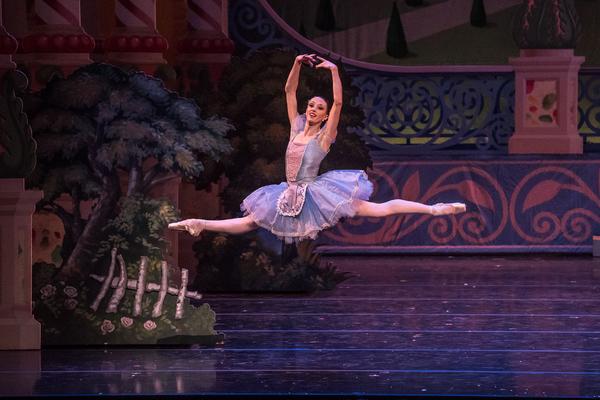 KC Ballet Dancer Taryn Mejia. Photography: Brett Pruitt & East Market Studios.