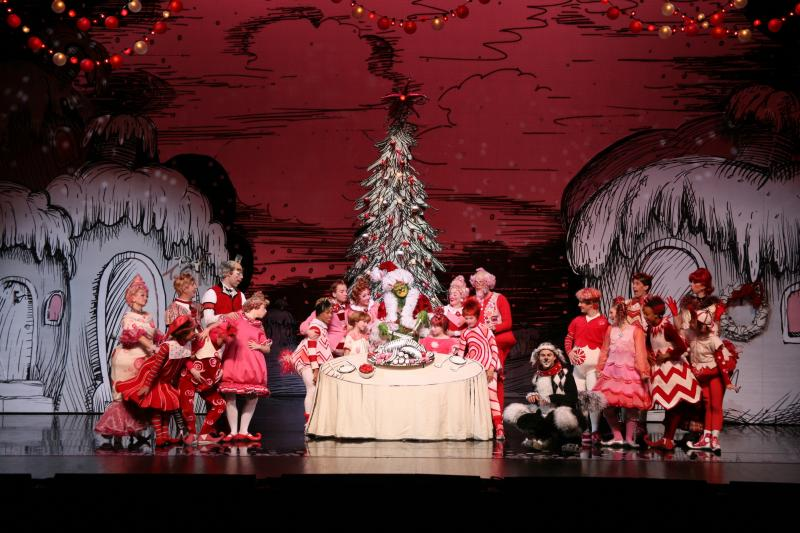 BWW Review: Steal Away to See THE GRINCH at Winspear Opera House