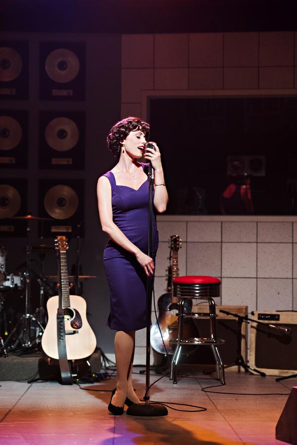 Laura Mae Nason as Dyanne