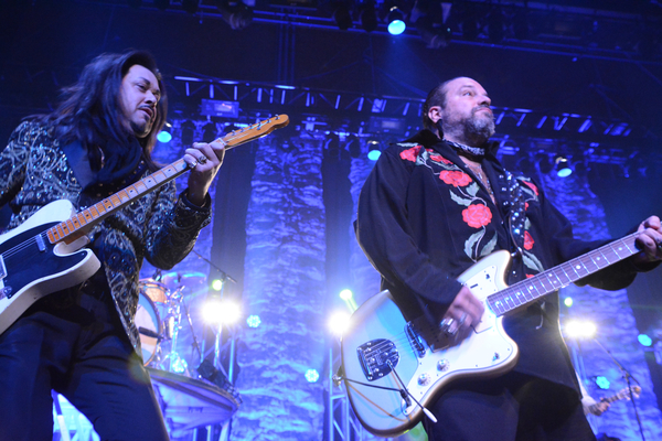 Photo Coverage: The Mavericks Play The Space at Westbury