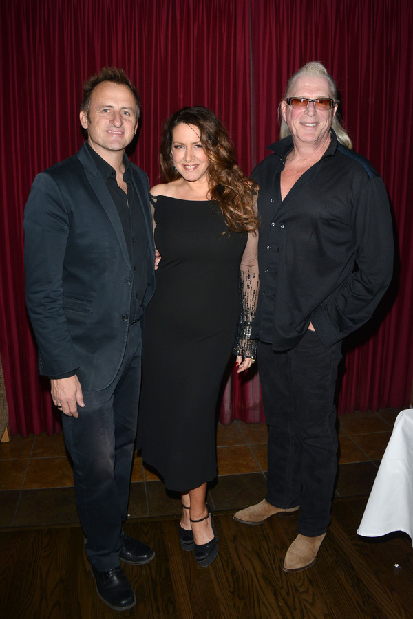 Guitarist Dean O'Leary, Joely Fisher nad Music Director Ron Abel