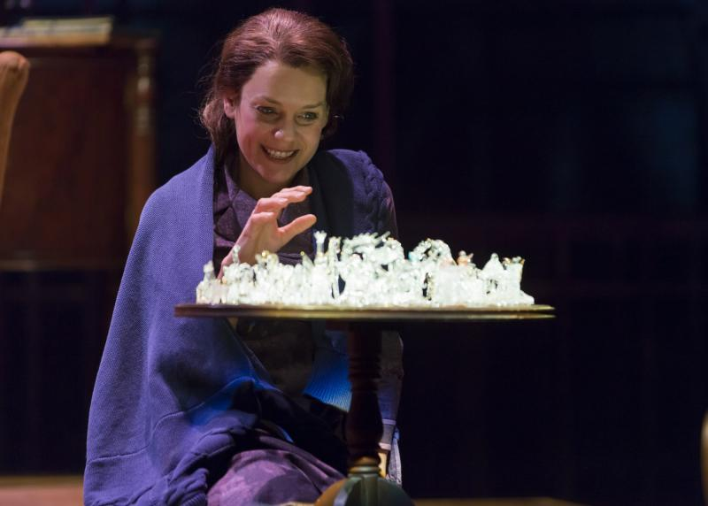 the life story of tennesse williams in the glass menagerie Tennessee williams: mad pilgrimage of the flesh  lahr's subtitle for his  biography of tennessee williams nimbly fuses  lahr begins at the turning point  of williams's life, the opening of the glass menagerie on broadway.