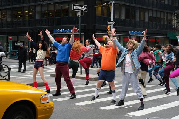 Zendaya, Hugh Jackman, James Corden, and Zac Efron perform in Crosswalk The Musical i Photo