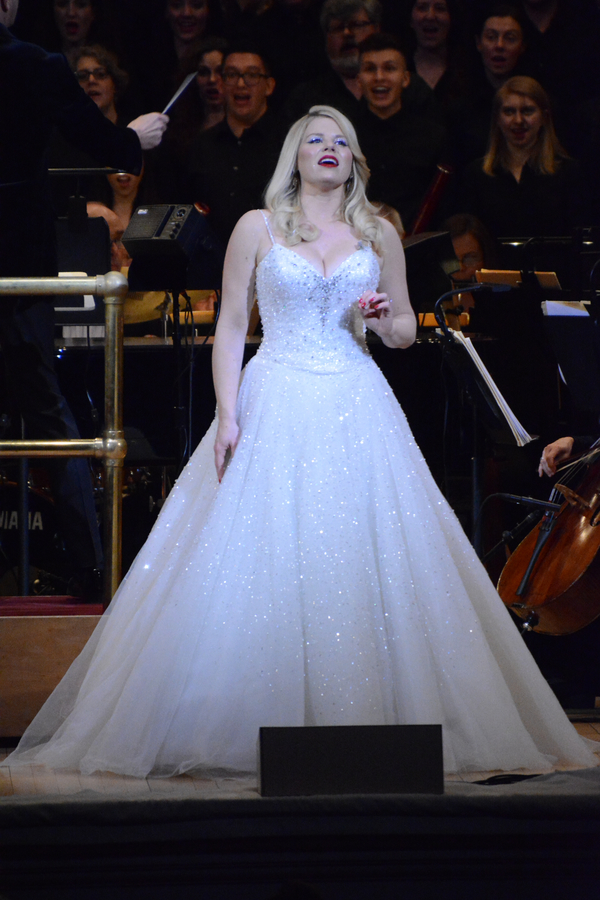 Photo Coverage: Megan Hilty Reunites with the New York Pops for THE MOST WONDERFUL TIME OF THE YEAR