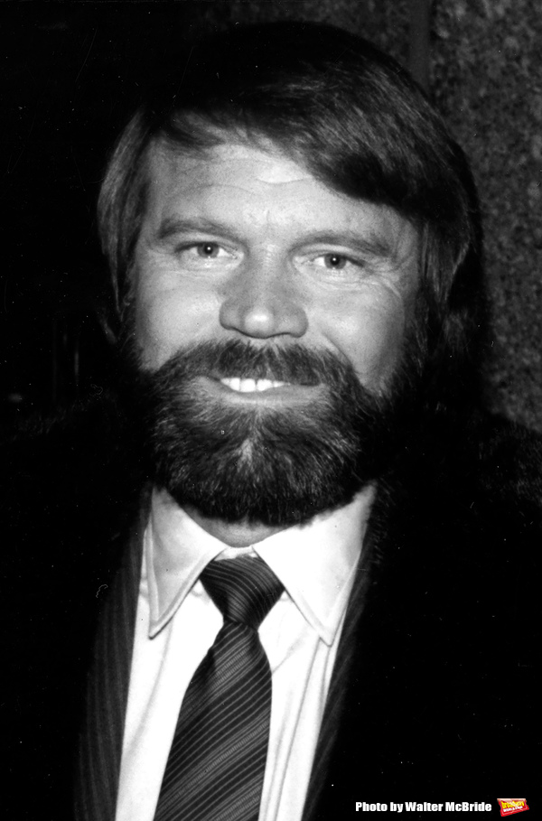 Glen Campbell leaving the NBC Building on January 15, 1981 in New York City. Photo