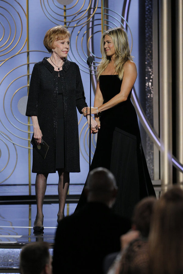 75th ANNUAL GOLDEN GLOBE AWARDS -- Pictured: (l-r) Carol Burnett, Jennifer Aniston, Presenters at the 75th Annual Golden Globe Awards held at the Beverly Hilton Hotel on January 7, 2018 -- (Photo by: Paul Drinkwater/NBC)