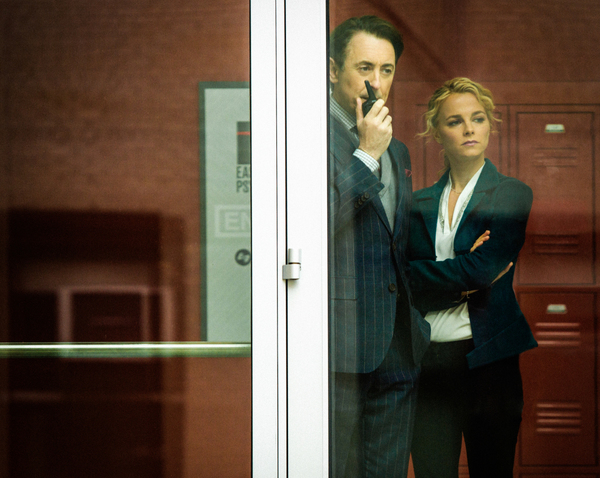Pictured (L-R) Alan Cumming as Dr. Dylan Reinhart, and Bojana Novakovic as Lizzie Needham Photo: Francisco Roman /CBS © 2017