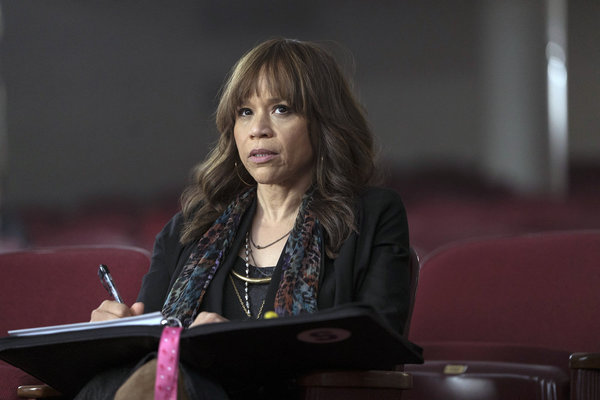 "RISE -- ""Pilot"" Episode 101 -- Pictured: Rosie Perez as Tracey Wolfe -- (Photo by: Peter Kramer/NBC)"