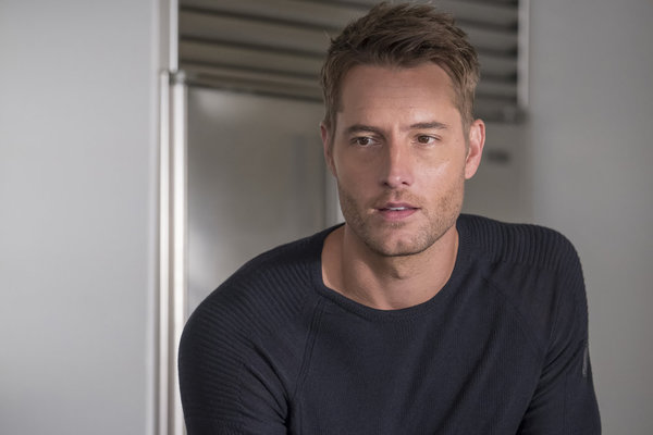 """THIS IS US -- """"Clooney"""" Episode 212 -- Pictured: Justin Hartley as Kevin -- (Photo by: Ron Batzdorff/NBC)"""