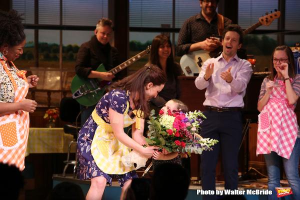 Sara Bareilles with Jason Mraz and cast Photo