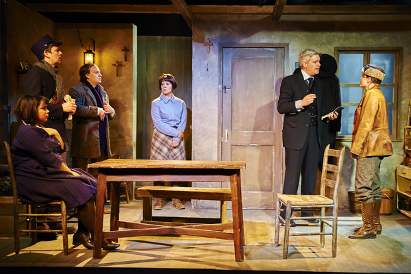 Photo Flash: First Look at HINTER at Steep Theatre