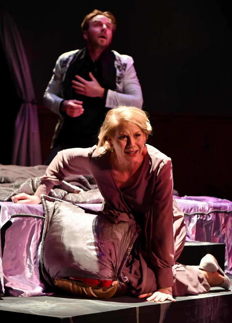 BWW Review: Ashdown, White Lead Compelling HAMLET at Nashville Shakespeare Festival