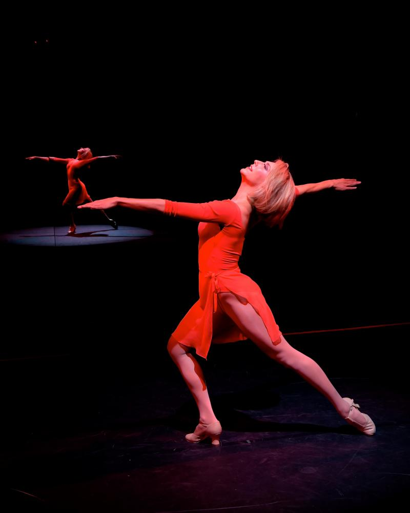 BWW Review: A CHORUS LINE at Westchester Broadway Theatre