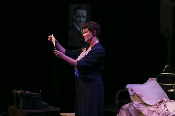 Photo Flash: First Look at freeFall Theatre Company's THE GLASS MENAGERIE
