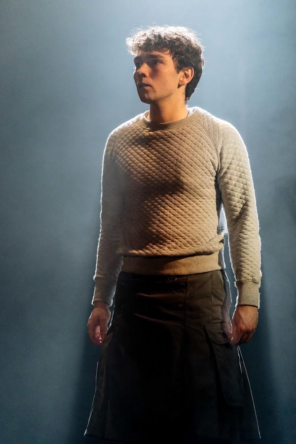 Jake Davies (Elihu)