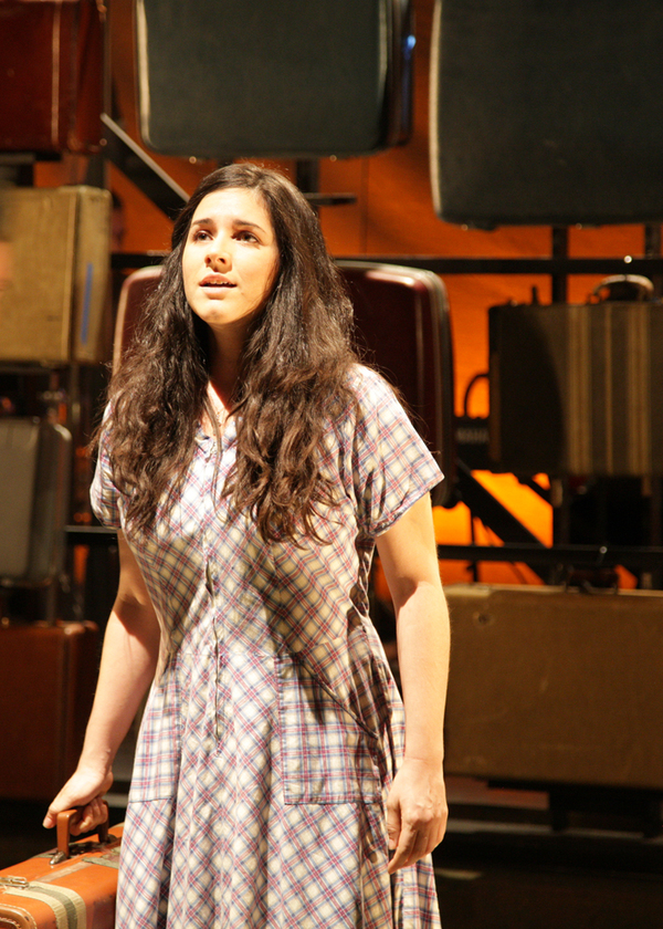 Monika Peña as Violet  Photo
