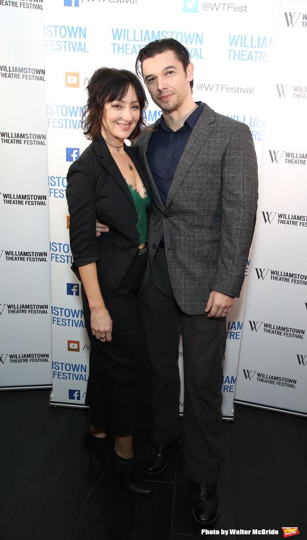 Carmen Cusack and Paul Telfer