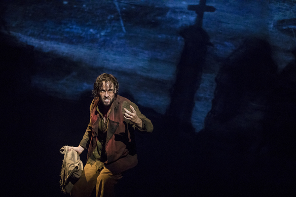 Nick Cartell as 'Jean Valjean' in the national tour of LES MISÉRABLES. Photo by Matthew Murphy.