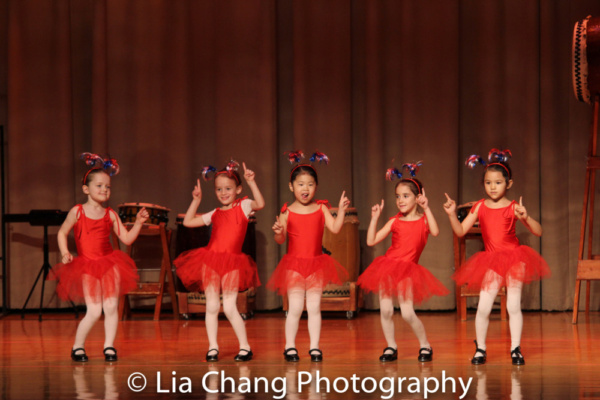 Students from UWSDance with Lainie Sakakura