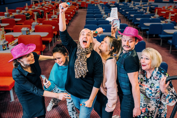 Jane McCarry, Jo Freer, Wendy Seager, Louise McCarthy, Darren Brownlie, Barbara Raffe Photo