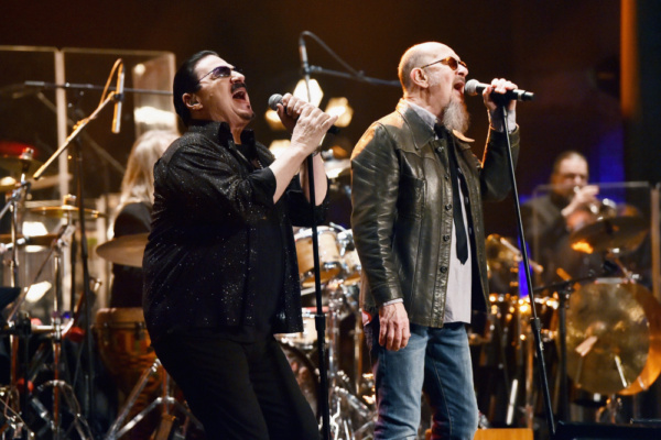 Lead singers Bobby Kimball (Toto) and Chris Thompson (Mannfred Mann's Earth Band) perform with the ManDoki Soulmates at the Beacon Theatre in NYC (Jan. 29, 2018)