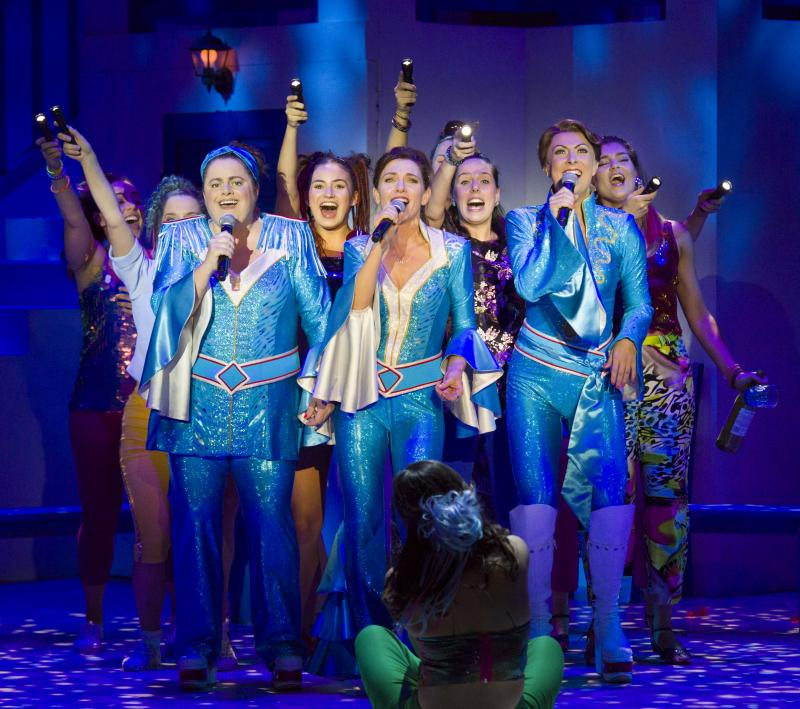 BWW REVIEW:  MAMMA MIA! Returns To The Sydney Stage In A New Interpretation Of The Feel Good Musical