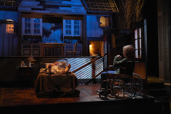Photo Flash: First Look at Great Lakes Theater's MISERY