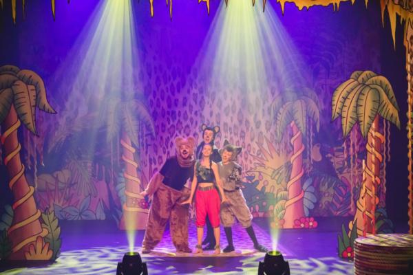 Saul Boyer as Baloo, Rhys Whiteside as Bagheera, Katriona Perrett as Raksha, Rachael Stratton as Mowgli