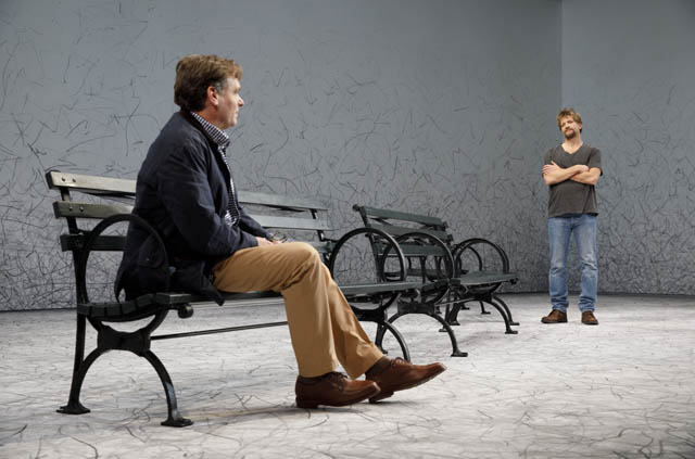 BWW Review: Robert Sean Leonard, Katie Finneran and Paul Sparks in Edward Albee's AT HOME AT THE ZOO