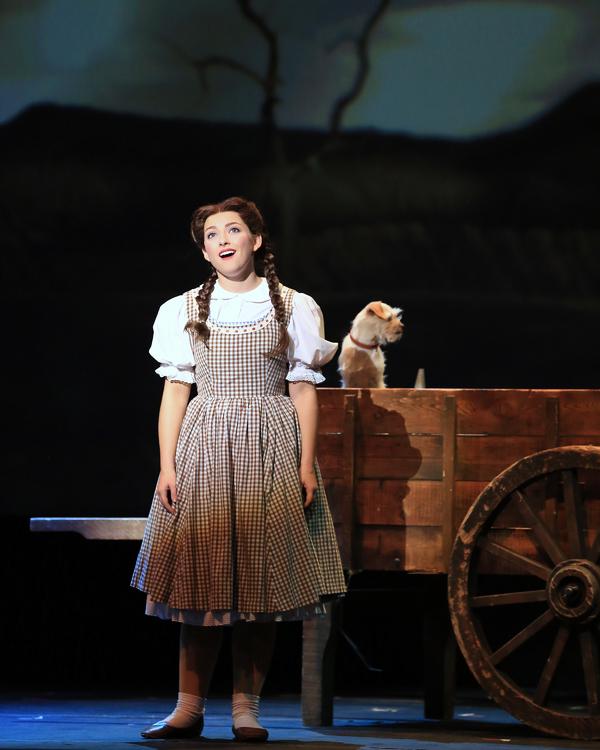 """Dorothy (Kalie Kaimann) sings """"Somewhere Over the Rainbow�"""