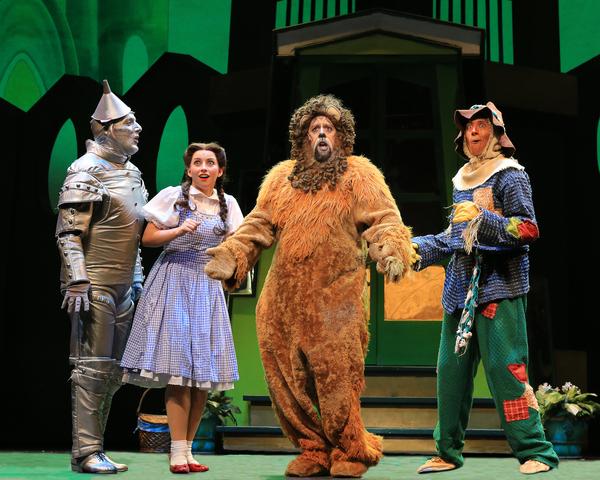 Tin Man (Christopher Russell), Dorothy (Kalie Kaimann), Lion (Victor Legarreta) and S Photo