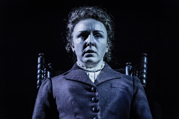 Photo Flash: First Look at Carli Norris and Maggie McCarthy in TURN OF THE SCREW