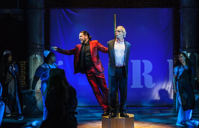 BWW Review: Terrence Mann and Will Swenson Star in Outrageous, Endearing and Perceptive JERRY SPRINGER - THE OPERA