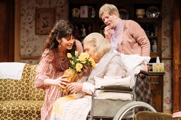 Caroline Catz (Susan), Sandra Voe (Ida) & Marjories Yates (Mrs Jackson)