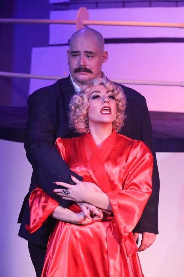 Sarah Porter as Reno and Zachary Allen Farmer as Sir Evelyn Oakleigh Photo