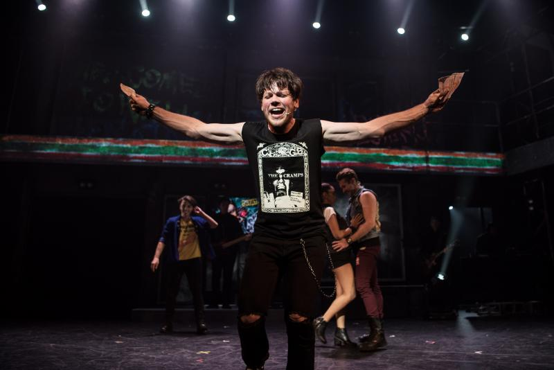 BWW Review: AMERICAN IDIOT Takes Us Back To a Surprisingly Greener Day at Comedy Theatre