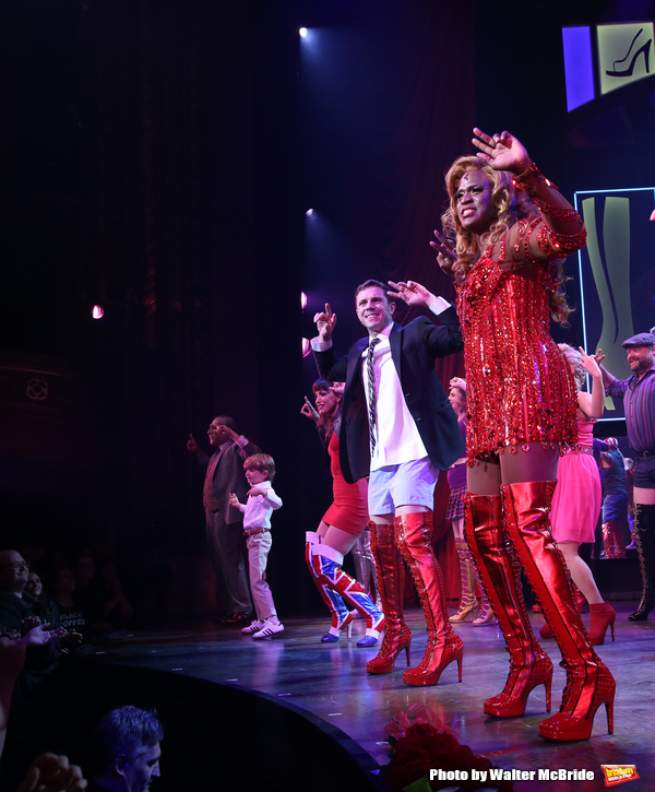Photo Coverage: Wayne Brady Returns to Broadway's KINKY BOOTS