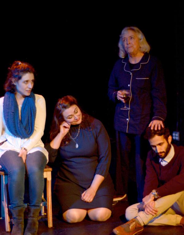 Hannah Seusy (Polyxena), Giverny Petitmermet (Andromache), Wendy Merritt (Hecuba), Er Photo