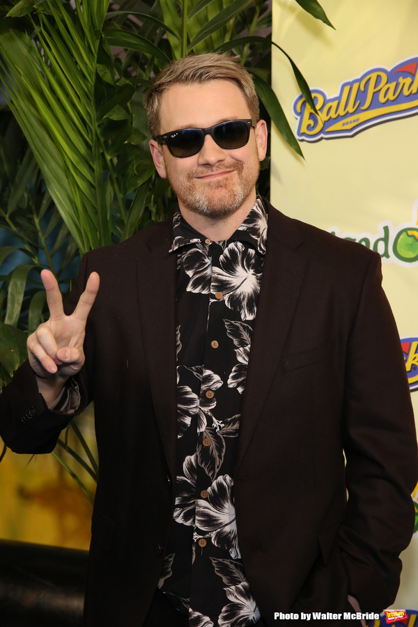 Photo Coverage: On the Blue Carpet at Opening Night of ESCAPE TO MARGARITAVILLE