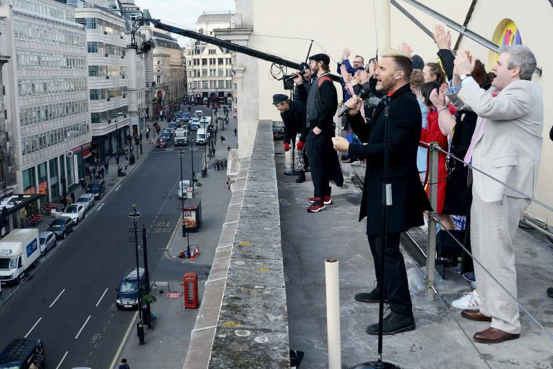 Photo Flash: Take That Perform with the Cast of THE BAND