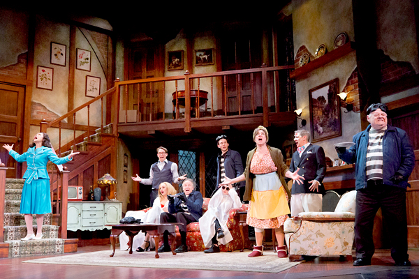BWW Review: Walnut's NOISES OFF = NONSENSE ON!