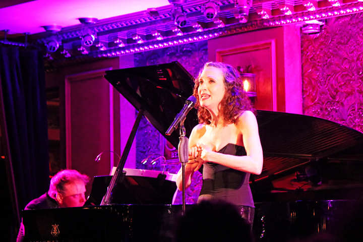 BWW Review: Bebe Neuwirth Serves Up an Acting Lesson at Feinstein's/54 Below