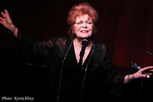 Photo Flash: Anita Gillette Celebrates Irving Berlin at Birdland!