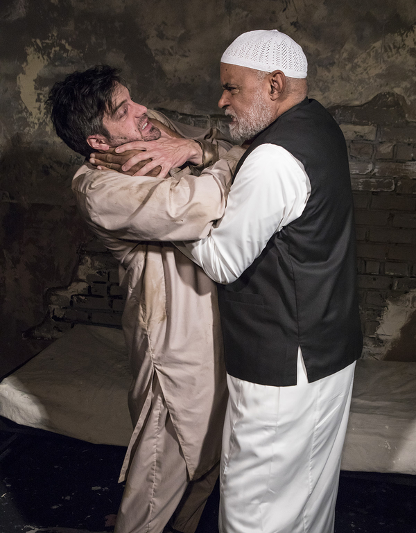 Photo Flash: First Look at Ensemble Theatre Company's THE INVISIBLE HAND