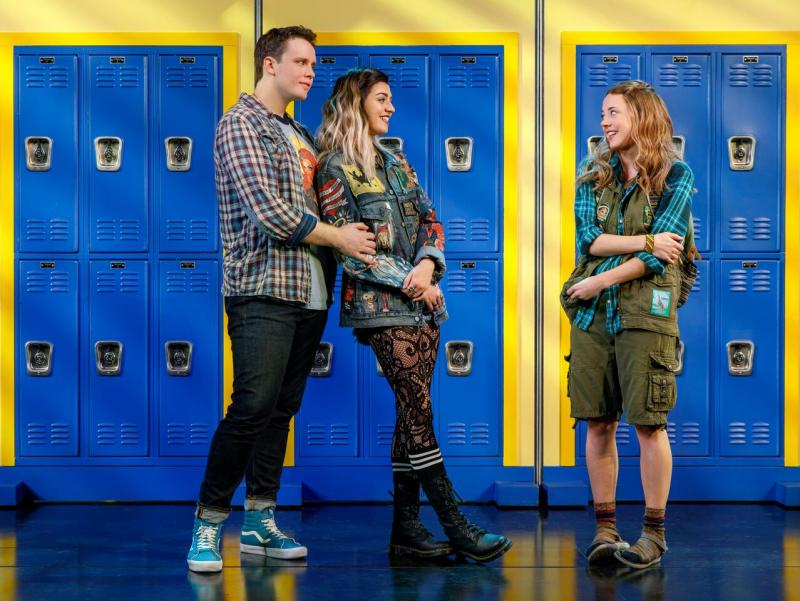 BWW Review:  High School Life Gets Un-Cliqued in Tina Fey, Nell Benjamin and Jeff Richmond's MEAN GIRLS