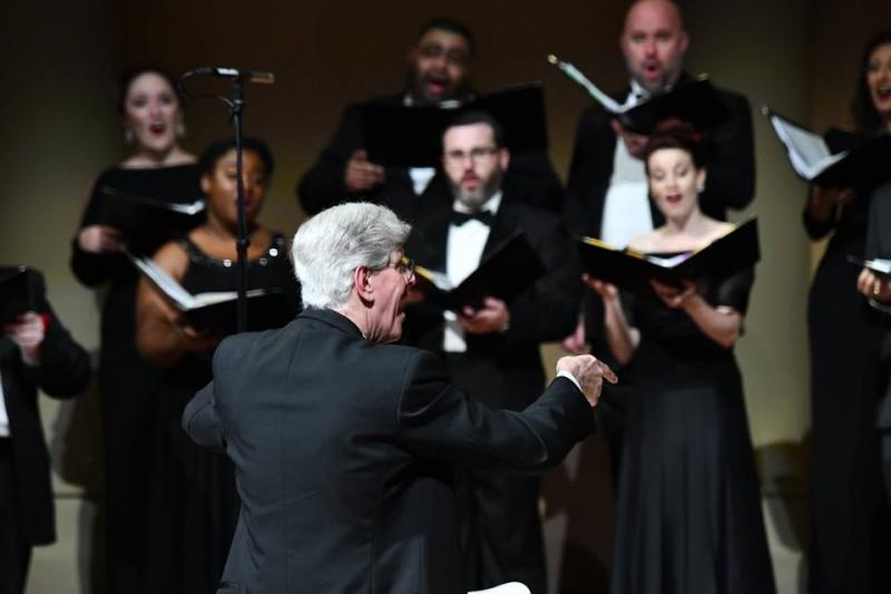 BWW Interview: HCC Artistic Director Robert Simpson on the Chamber Choir's Margaret Hillis Award Win