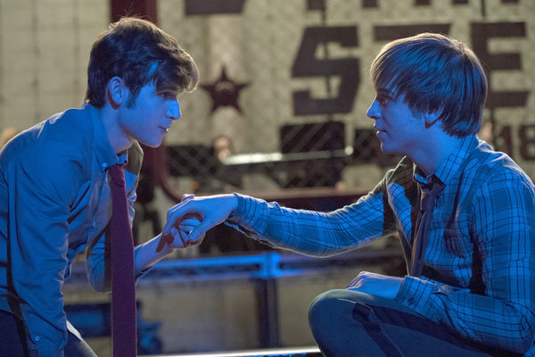 """RISE -- """"This Will God Willing Get Better"""" Episode 107 - Pictured: (l-r) Ted Sutherland as Simon Saunders, Sean Grandillo as Jeremy -- (Photo by: Virginia Sherwood/NBC)"""